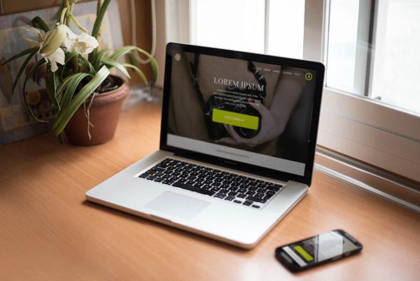 smartphone macbook pro mockup 3